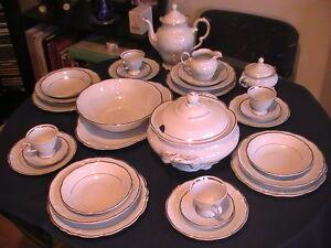 "Gold-plated ""Wawel"" Fine Porcelain China Dinnerware (Circa 1965)"