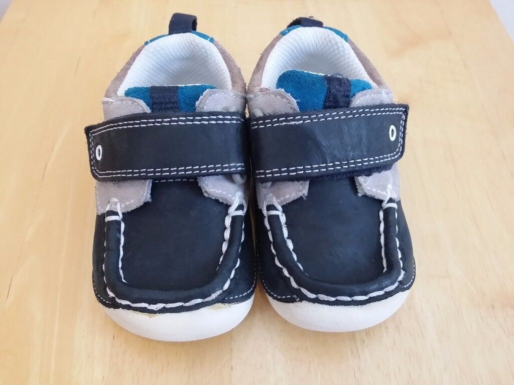 Boys Shoes (Clarks First) Size 3H