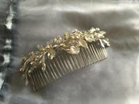 Wedding accessories: beautiful bridal hair comb