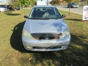 2004 Ford Focus ZTS, cuir/toit, tout equipe, propre.