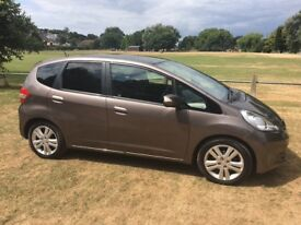 Well maintained Honda Jazz with FSH. In very good condition with recent MOT and 2 year service.