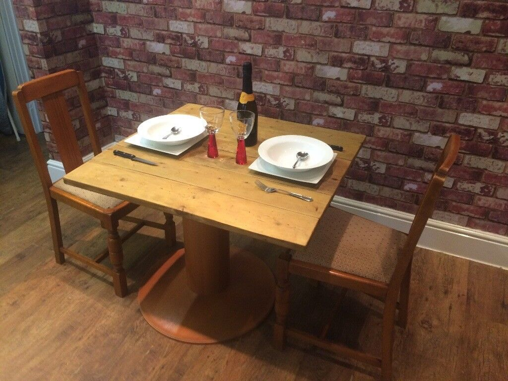 RUSTIC WOODEN TABLE - HANDMADE RECLAIMED WOOD - 2 CHAIRS - DELIVERY AVAILABLE