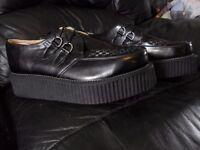 T.U.K. Shoes Mondo High Sole Brothel Creeper Style A6802