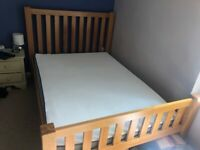 Solid oak double bed / Eve Hybrid mattress.