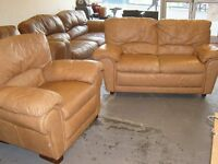 Tan Leather 2 Seater Settee Sofa and Armchair. 2 Piece Suite