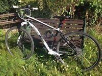 Specialized Crosstrail Hybrid Bicycle (bike)