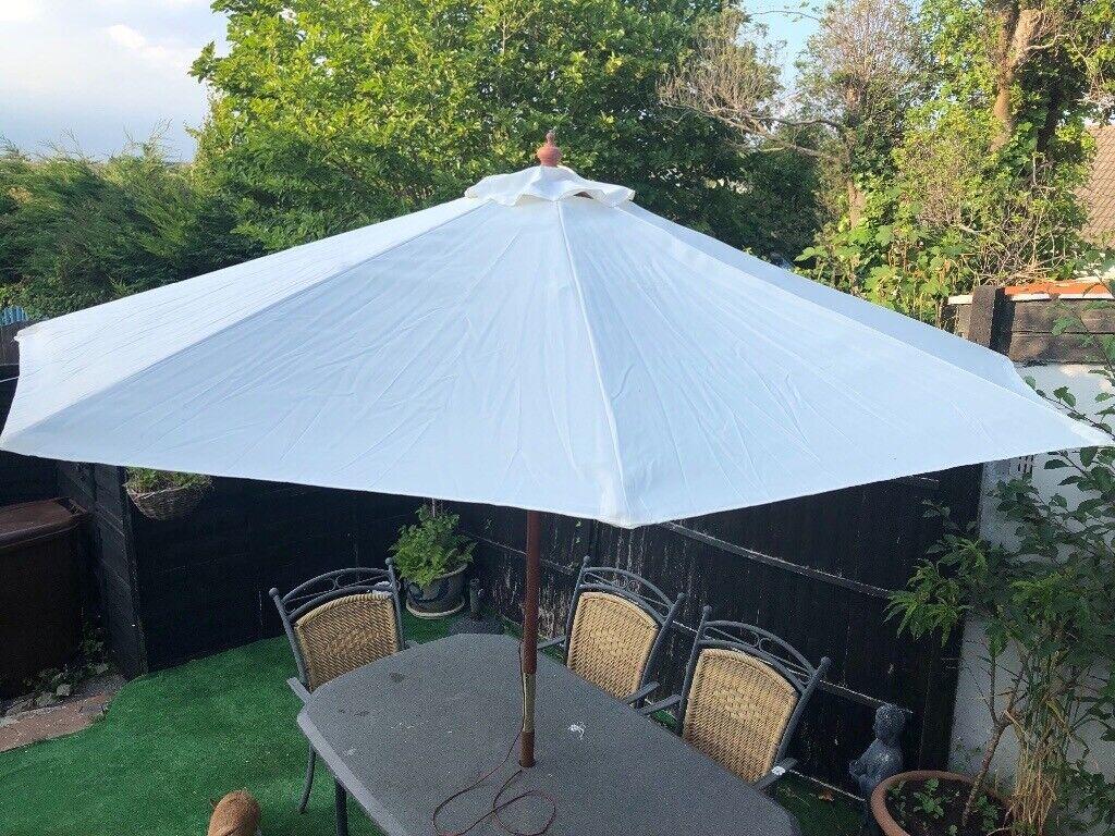 Garden Parasol Cream Umbrella Pull Up With Wooden Pole Sun Shade 26m Diameter In Derriford Devon Gumtree