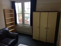VERY BIG DOUBLE ROOM AVAILABLE IN PUTNEY,ALL BILLS INCLUSIVE