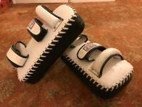 Boxing / mauy Thai training pads