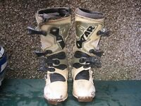 Moto x and quad bike boots and body armour