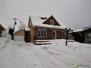 215 000$ - Maison à un étage et demi à vendre à Jonquière Saguenay Saguenay-Lac-Saint-Jean image 1