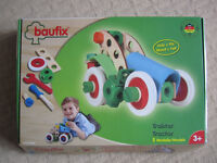 """Wood & Felt building set """"tractor"""" with nuts and bolts"""