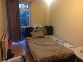 s. PERFECT size SINGLE ROOM AVAILABLE IN ELEPHANT AND CASTLE, JUST CONTACT ME!!!