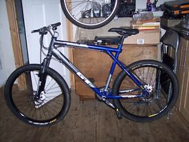 GT AVALANCHE 3.0 LARGE