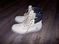 NEARLY NEW TIMBERLAND MENS BOOTS