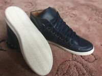 Men's high top trainers in blue