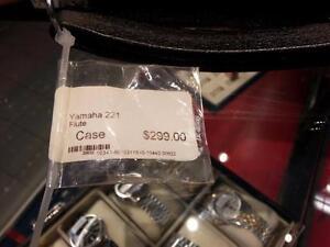 Yamaha 221 Flute. We Sell Used Instruments. (#30622)