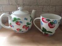 CATH KIDSTON Strawberry Teapot & Mug