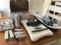 Selling a used but fully working Nintendo wii with lots of accessories