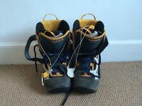 Ladies Salomon Snow Boots, Size 6