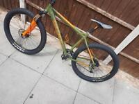 *HYDRAULIC* Carrera Vendetta Mens Mountain Bike 27.5+