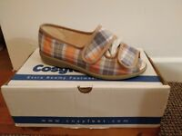 Cosyfeet Molly Flats - size 4 - Colour: Blue Madras