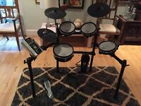 Electric Drum Kit For Sale. Roland TD-9KX V-Drum Kit.