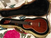 Sigma SUM-2S Mahogany Soprano Ukulele with Kinsman Tweed Locking Case and Capo