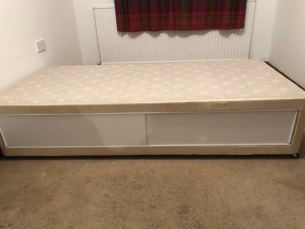 Picture of: Single Divan Bed In Blairgowrie Perth And Kinross Gumtree