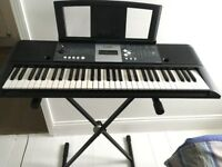Yamaha YPT 230 keyboard with stand