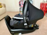 Maxi Cosi Pebble Plus Car Seat and 2 Way Fix Isofix -In very good condition-