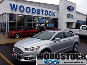 2016 Ford Fusion SE >>