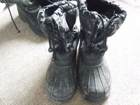 Snow boots for boys - size 2.5