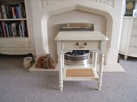 LAURA ASHLEY LAMP/TELEPHONE TABLE IN IVORY