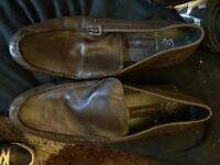 Men's brown size 10 shoes