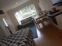 Large double room to let, Crawley
