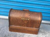Rare vintage retro antique SINGER sewing machine with wood case decorative home interior SDHC