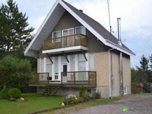 175 000$ - Maison 2 étages à vendre à La Baie