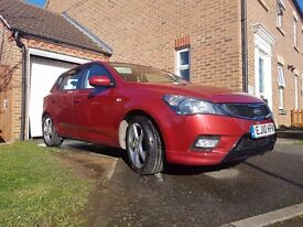 KIA CEE'D 1.6 CRDI3 Automatic 5 Doors Hatchback 2010 Full Service History 2 Owners Superb Driving