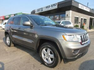 2011 Jeep Grand Cherokee Laredo 4X4 TRAILRATED Low Kms