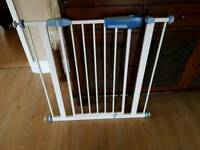 Lindam stair gate safety guard stairgate vgc from a pet and smoke free home