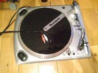 Numark TT1610 Turntable + Numark mixer
