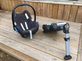 MAXI COSI Infant Car Seat & Isofix