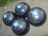 Set of 4 Thomas Taylor Lawn Bowling Bowls Size 4, Emsmorn Jacket Medium, Cap, Size 9 Bowl Rite Shoes
