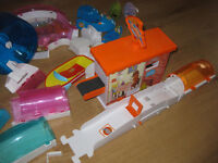 ZHU ZHU PETS ACCESSSORY COLLECTION (set2) - including PIZZA SHOP car/boat/wheel & Funhouse - BARGAIN
