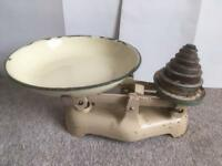Vintage kitchen scales circa 1950's plus full set of weights