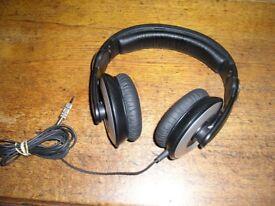 Sennheiser HD 205 Headphones with pivot good for DJ