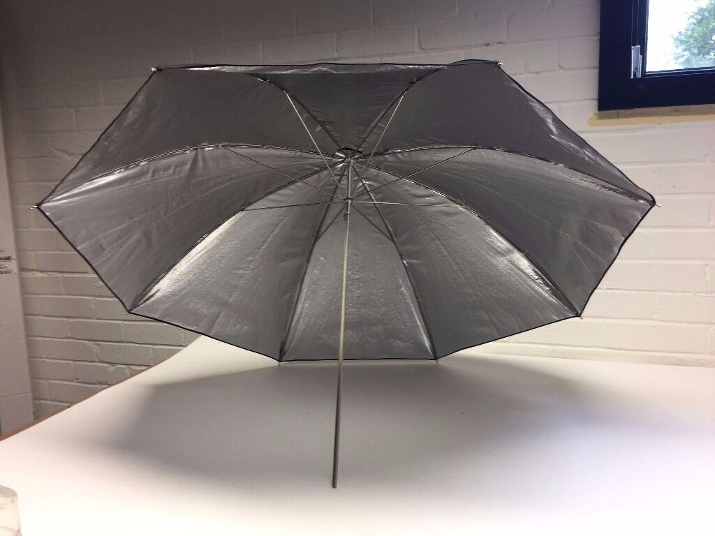 Reflector Umbrella 105cmin Lymington, HampshireGumtree - Good as new, unused reflector umbrella. Ideal for use in a studio environment. 105cm Diameter when opened