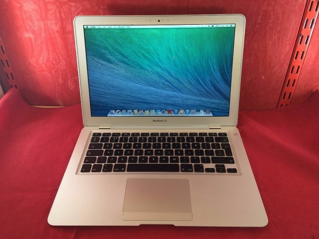 "Apple MacBook Air A1304 13.3"" Laptop128GB SSD, 2GB RAM, 2008 WARRANTY, NO OFFERS L60in Walthamstow, LondonGumtree - Apple MacBook Air MD1304 13.3"" Laptop 128GB SSD Flash Storage, 2GB RAM, 2008 Condition Excellent screen, odd few faint scuffs/ 1 2 small scratches. Casing has faint scuffs/ some scratches from general use. The MacBook will come with USB cable,..."