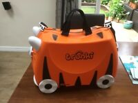 Childrens trunki ride on tiger suitcase